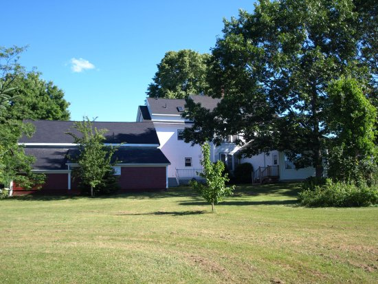 Centreville, Canada : Lawn area