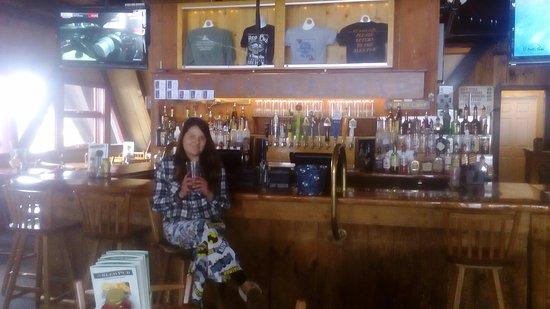 Henniker, New Hampshire: Sled Pub. Ideal para compartir, buena música y ricas cervecitas!