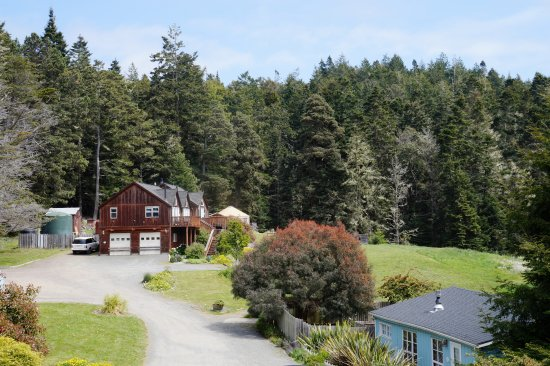 Little River, CA: Mendo Lodge and the Meadow