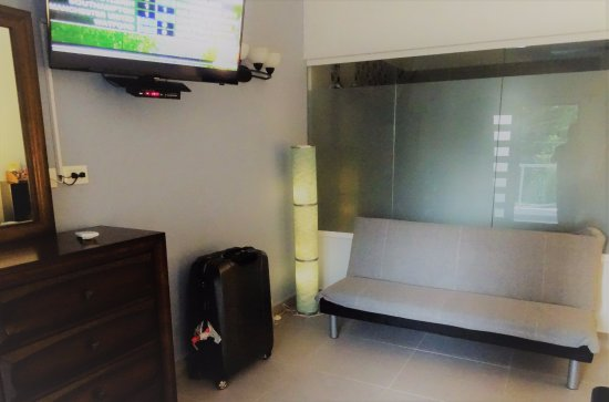 Casa Valeria Boutique Hotel By Using A Glass Shower Screen Instead Of An Unsanitary