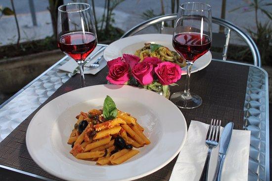 Amore e Gusto: Pasta and wine