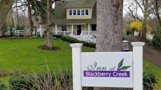 Inn at Blackberry Creek: front Inn view from Pleasant Street