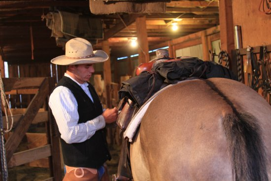 Diamond, OR: Up at the 'Crack of Dawn' to get the horses Saddled for an all day ride