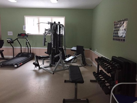 Crown Ridge Resort: fitness room