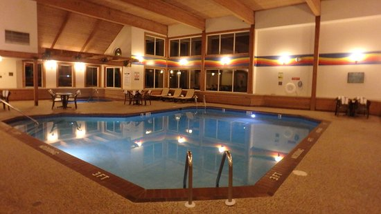 Comfort Inn West: Impressive Pool Area