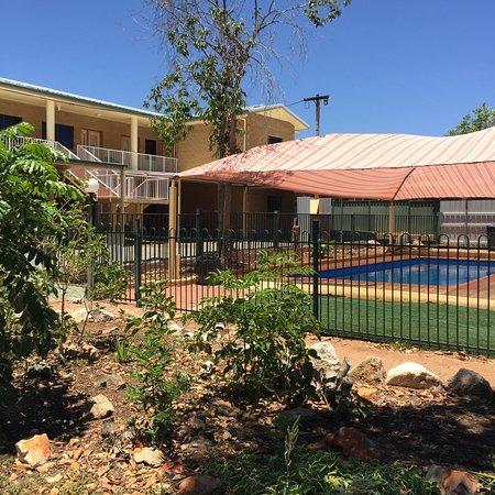 Mount Isa, Australia: Kookaburra street side