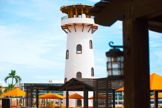 Tesoro Los Cabos: Look fo the Lighthouse we are here!