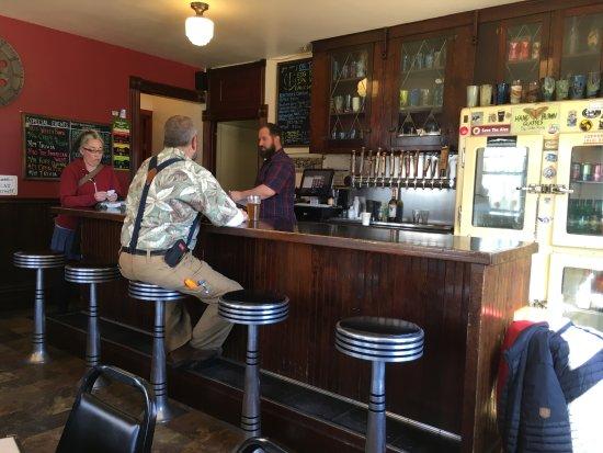 Enterprise, Oregon: That's one of the best bartenders I've ever met, Stewart