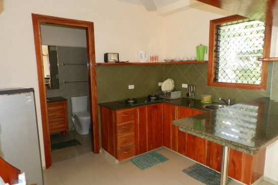 Bohol Homes: Kitchen