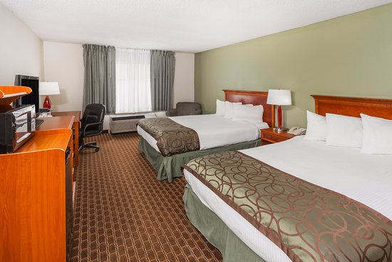 Baymont Inn & Suites Peoria: 2 Double Beds