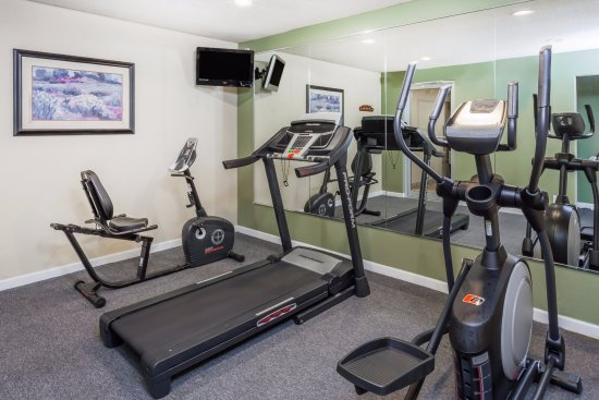 Baymont Inn & Suites Peoria: Fitness Center