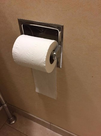 Frontenac, MO: Toilet paper roll travesty