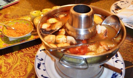 Singha Thai Cuisine: My delicious dinner