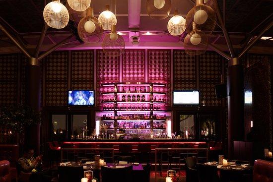 Windsor Hotel Taichung : 映景觀餐廳 醉夜迷幻