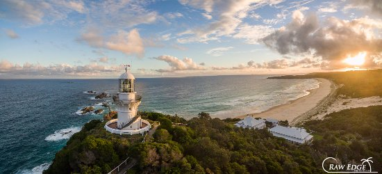Seal Rocks, Australia: Sugarloaf Point Lighthouse, Lighthouse Keepers' cottages ... looking to Lighthouse Beach at suns