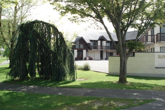 ASURE Hanmer Inn Motel : Pavement View
