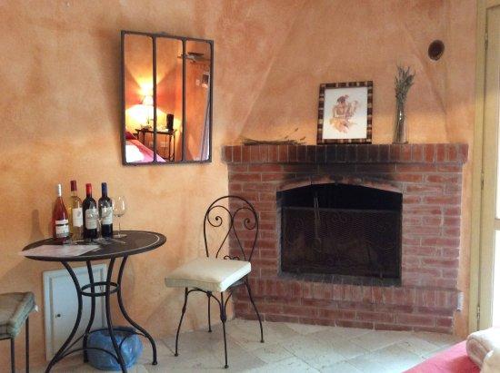 La Credenza Di Picasso Livorno : Locanda di terramare naturist b in tuscany hotel gabbro