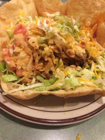 Jacksonville, Орегон: Beef taco salad