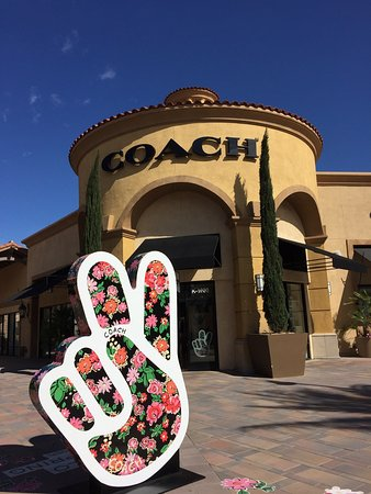 Desert Hills Premium Outlets : photo1.jpg