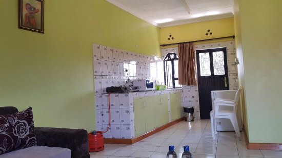Mpeta Guest House: Fully equipped kitchen.