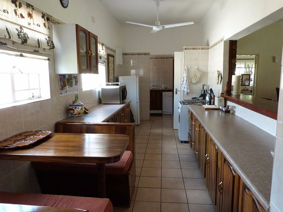 Woodlands Stop Over and Lodge: Woodlands Cottage: Kitchen