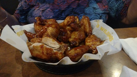 Cookeville, Теннесси: Honey BBQ Wings
