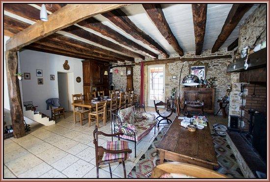 Montferrand du Perigord, France: Devant la cheminée