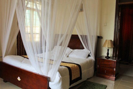 Cepha's Inn Kabale: Ultra Modern Rooms with Fast free Wifi, Extra Big flat screens with Dstv,
