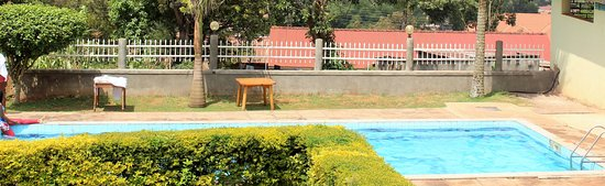 Cepha's Inn Kabale: Excellent swimming pool with a perfect view