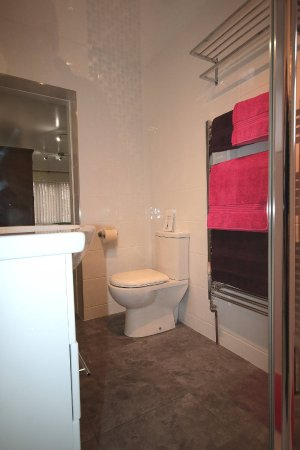 North Hykeham, UK: bathroom 6 en-suite shower