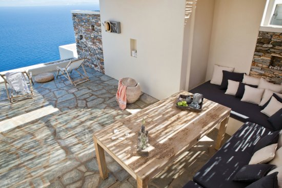 Kastro, Greece: Private veranda with relaxation area and amazing view