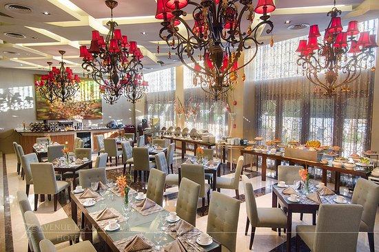 The Avenue Plaza Hotel: Mornings at Cafe Plazuela.  Breakfast Buffet