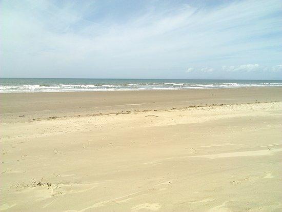 Dyffryn Beach