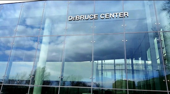 ‪DeBruce Center‬
