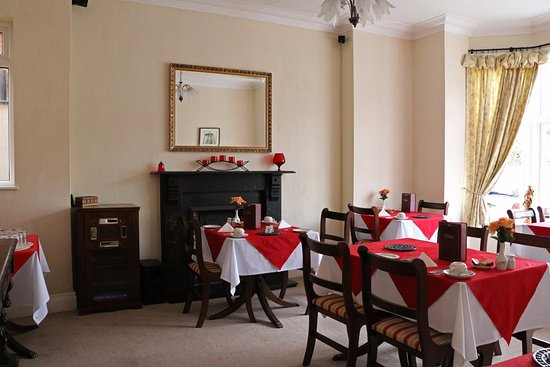 The Newlands: dining room