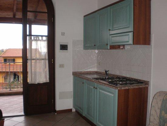Pieve di Santa Luce, Italië: Angolo cottura appartamento