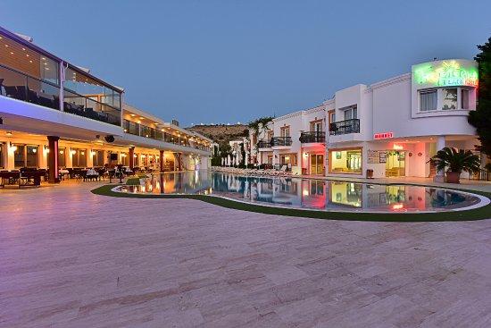 トロピカーナ ビーチ ホテル