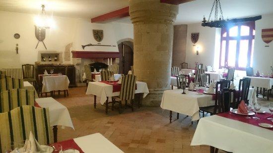 L'Hostellerie du Chateau: RESTAURANT LA SALLE DES CHEVALIERS