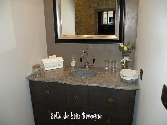 Rauzan, France: SDB de la chambre Baroque, avec douche à l'Italienne