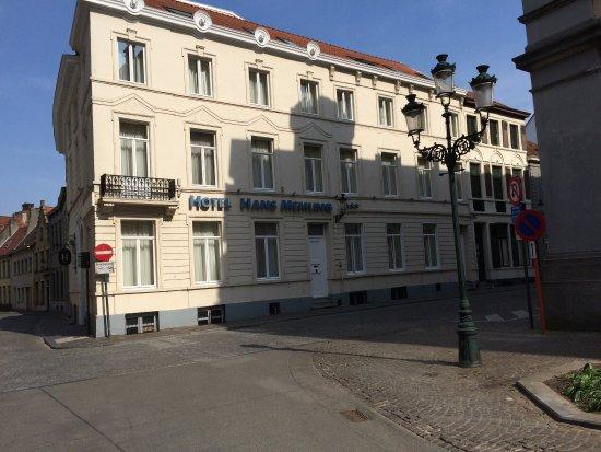 Hans Memling Hotel: Hotel en El Centro histórico,recomiendo parejas, ideal para ver toda la ciudad, amables y simpát