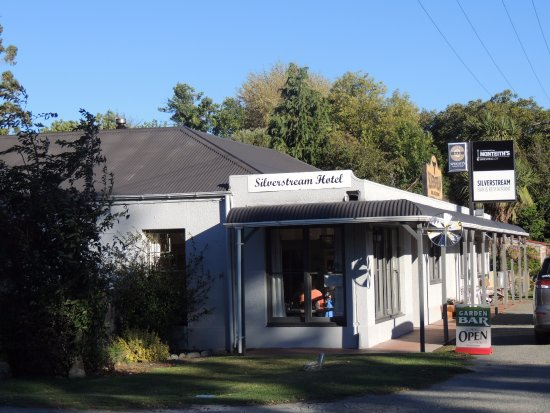 Mt Dobson Motel : The Silverstream Hotel Next door to accommodation
