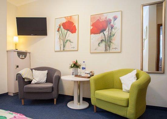 Das kleine Altstadthotel: Sitzecke Zimmer Nr.5