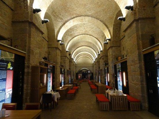 Program Centrum Tours : ESZTERGOM l'antica cantina - ora ristorante - sotto la cattedrale