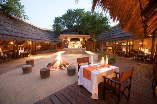 Kapama River Lodge: Boma evening dinner