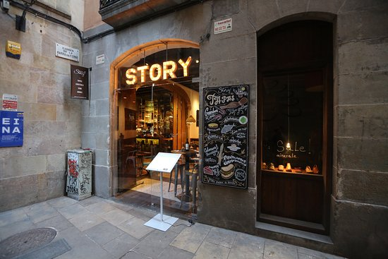 story barcelone quartiers de la ribera el born restaurant avis num ro de t l phone. Black Bedroom Furniture Sets. Home Design Ideas