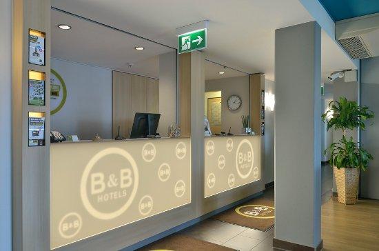 B&B Hotel Erlangen: Rezeption