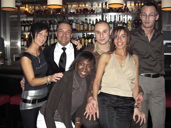 Hotel Amigo: Devant le célèbre bar de monsieur Paul !