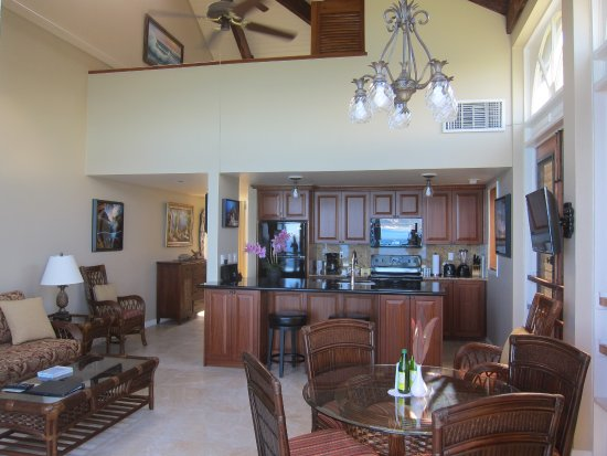 Gallows Point Resort: Living area Kitchen