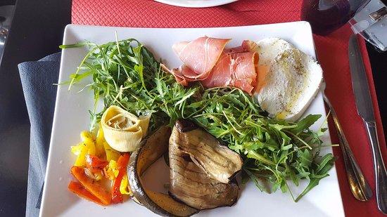 Salade Du Soleil Aubergine Courgette Artichaut Jambon Cru