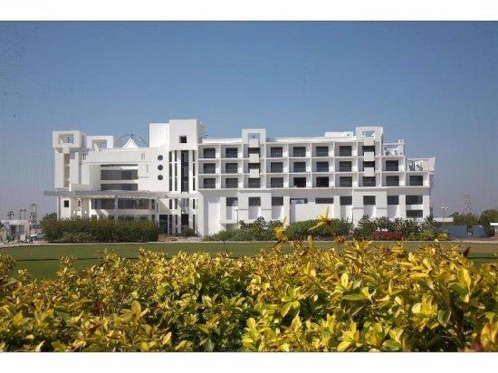 Seasons Hotel  - Rajkot: Front Fascade